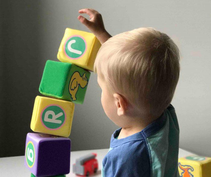 Baby Educare Giocando dai 3 ai 6 mesi